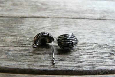 Oorsteker met schelpje en oogje  - zwart