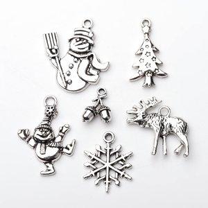 Metalen hangertjes kerstmis - oudzilver