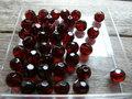 Glas-kristal-rond-facet-met-mooie-glans-8mm-bordeau