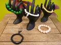 Set-van-5-natuurstenen-armbanden-op-elastiek